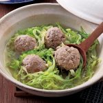 豚ひき肉レシピ22選|子どもが大好きな、肉団子、つくね、そぼろ、キャベツと一緒になど簡単&人気レシピ集