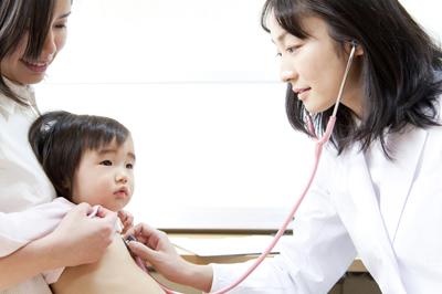 子供の風邪、病院の選び方│子供の風邪を早く治す!熱・咳などの症状、風邪薬の選び方、適切なお風呂や食事とは?