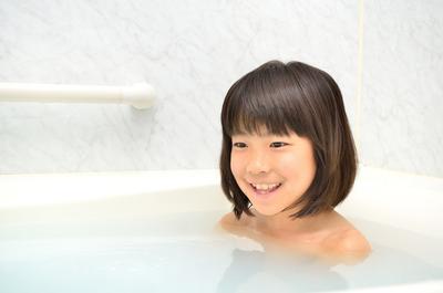 風邪を引いた子供のお風呂│子供の風邪を早く治す!熱・咳などの症状、風邪薬の選び方、適切なお風呂や食事とは?