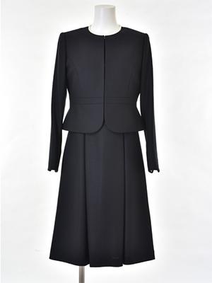 「お受験スーツ専門店La・Vert(ラ・ヴェール)」で販売されている『ウール100%ノーカラージャケットとワンピースのお受験ママアンサンブル[ジャケット+ワンピース][お受験スーツ](160831582)』