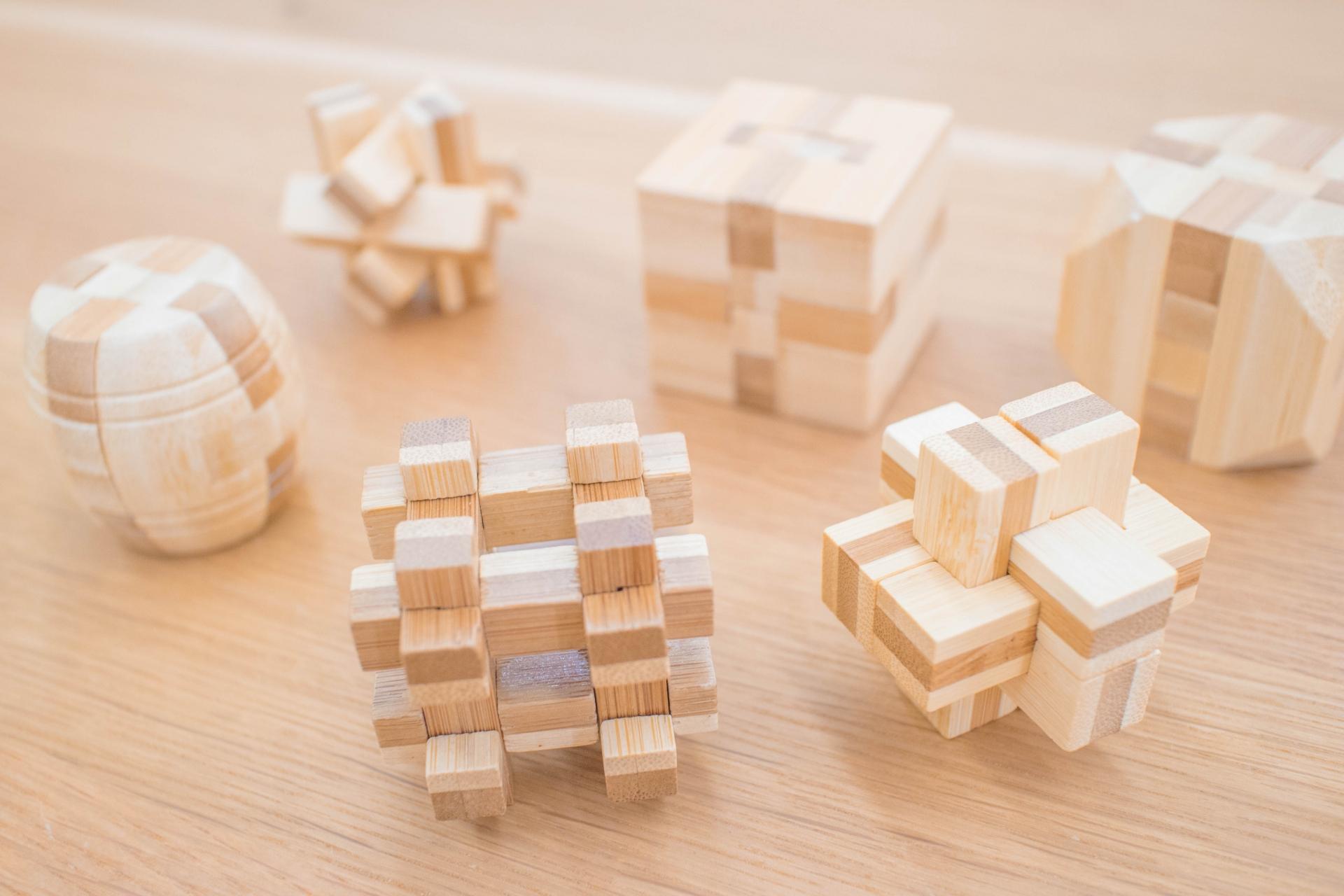 パズルおもちゃのイメージ画像、木のパズルおもちゃ