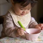 離乳食のNG食材は?生もの、ハチミツ、ナッツ類…赤ちゃんが食べてはいけない食材と判断ポイントを解説