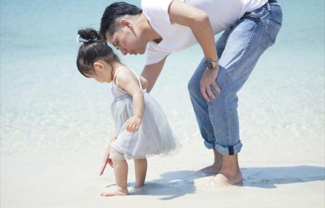世の父親は子育てにどれくらい参加してる?父親の役割や影響とは?父親 ...