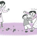 子どものいたずらに、はげしく叩いて叱る近所のママ。見ているのが忍びないのですが【愛子先生の子育てお悩み相談室】