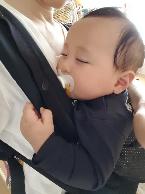 赤ちゃん 首 座る まで