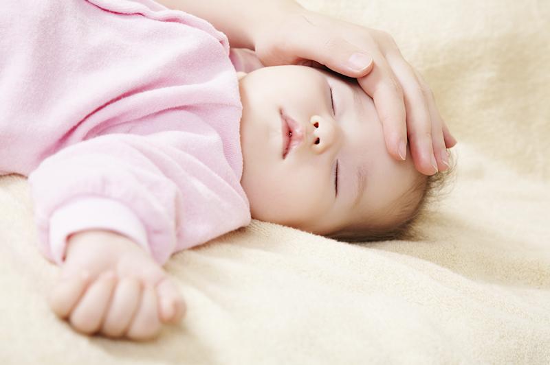 新生児、枕