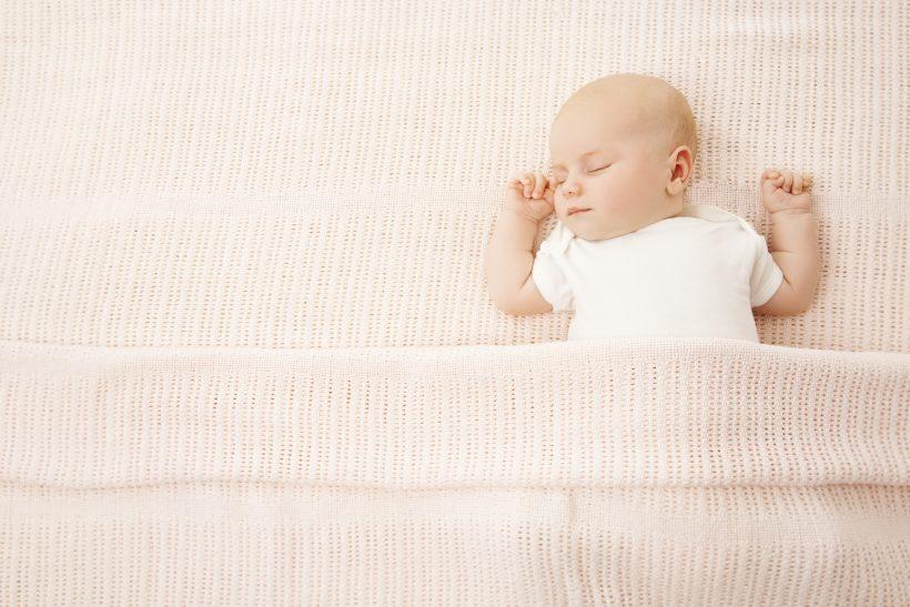 赤ちゃん うつ伏せ 落ち着く