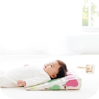 スリーピングピロー(吐き戻しをやわらげる ベビー枕)