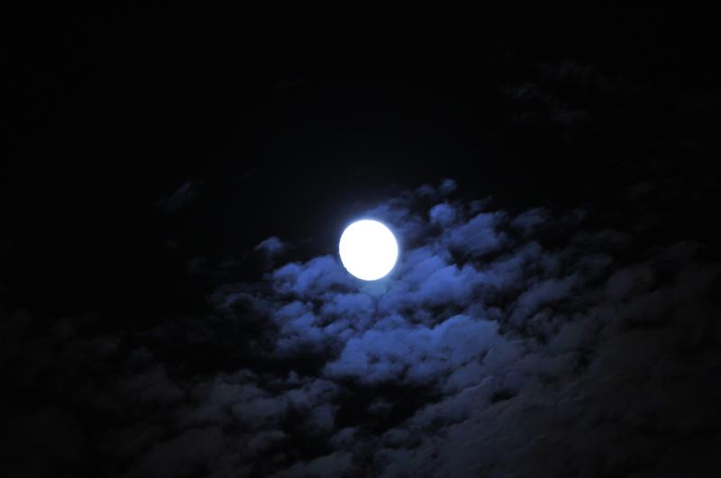 お月見には十三夜もある! 季語や歌詞、小説に登場する十三夜の意味や ...