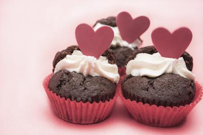 バレンタインにケーキを贈る意味は?