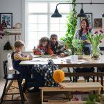 イケアのダイニングテーブルはおしゃれで安い! 4人用・6人用・8人用まで家族の人数別にピックアップ