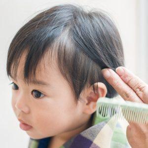 内側の髪の毛をどれくらいを刈り上げるか考えます。刈り上げる部分が多ければ多いほど、おしゃれ上級者な雰囲気に。まずは、少しの分量から様子を見てみるのも手。